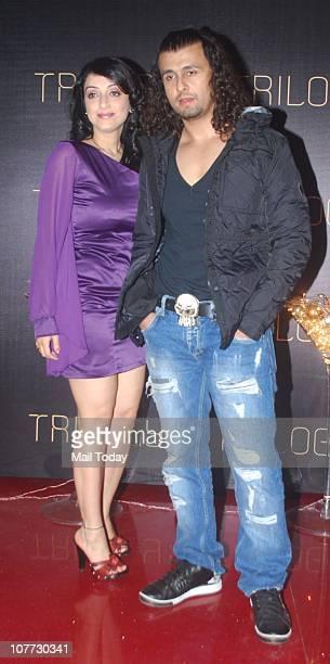 Sonu Nigam with wife Madhurima at Sulaiman Merchant's birthday bash in Mumbaii
