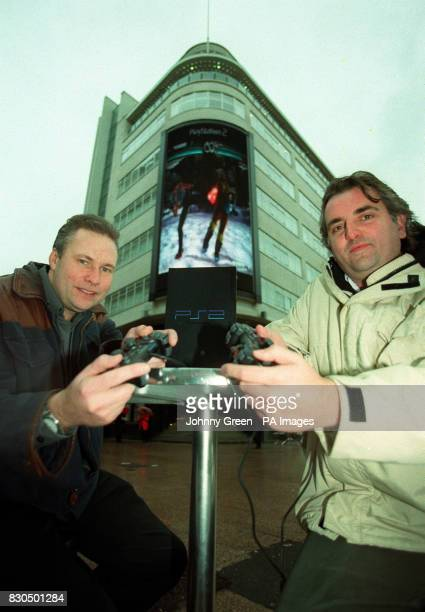 Sony Computer Entertainment UK Managing Director Ray Maguire and Sony Computer Entertainment UK Marketing Director Alan Welsman play 'Tekken Tag...