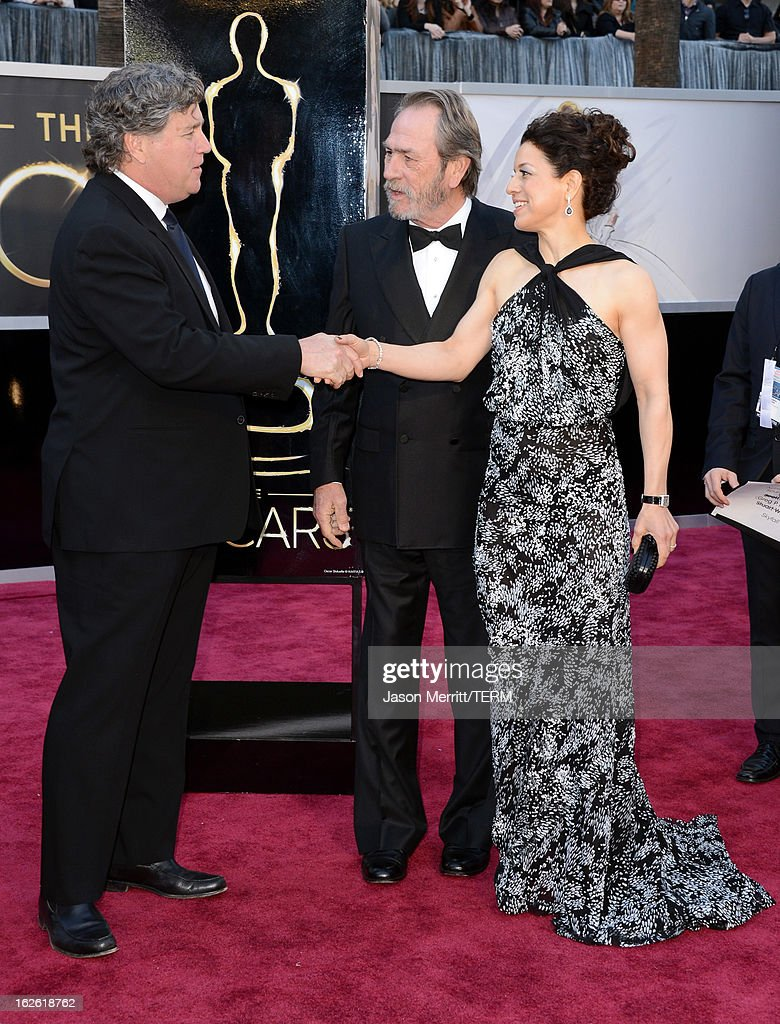 Sony Pictures Classics Co-Chairman Tom Bernard, actor Tommy Lee Jones and wife Dawn Laurel-Jones arrive at the Oscars at Hollywood & Highland Center on February 24, 2013 in Hollywood, California.