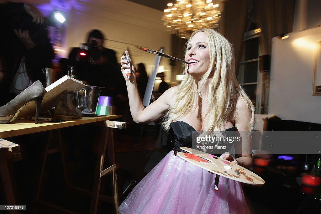 Sonya Kraus paints during the 'Movie meets Media' Night at Hotel Atlantic on December 3 2010 in Hamburg Germany