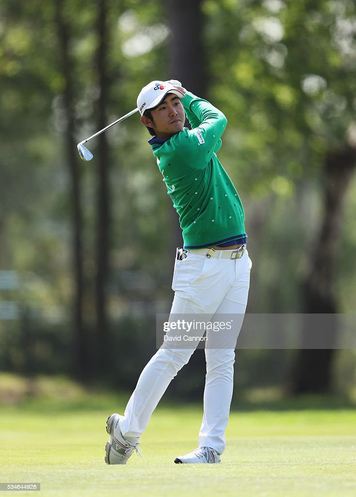 <a gi-track='captionPersonalityLinkClicked' href=/galleries/search?phrase=Soomin+Lee&family=editorial&specificpeople=14636393 ng-click='$event.stopPropagation()'>Soomin Lee</a> of Korea hits his 2nd shot on the 9th hole during day two of the BMW PGA Championship at Wentworth on May 27, 2016 in Virginia Water, England.