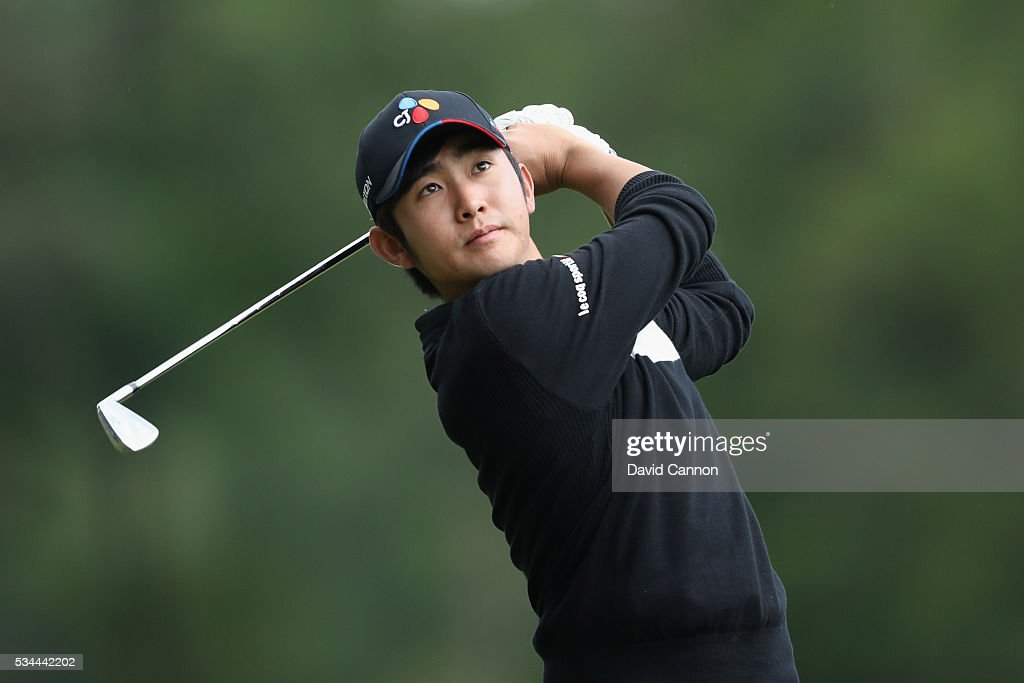<a gi-track='captionPersonalityLinkClicked' href=/galleries/search?phrase=Soomin+Lee&family=editorial&specificpeople=14636393 ng-click='$event.stopPropagation()'>Soomin Lee</a> of Korea in action during day one of the BMW PGA Championship at Wentworth on May 26, 2016 in Virginia Water, England.