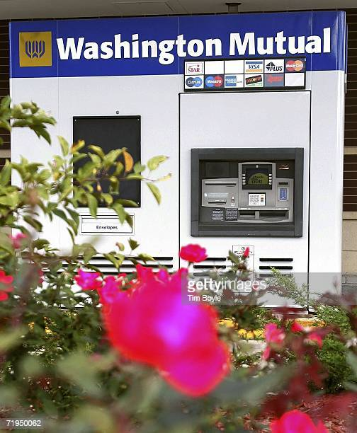 A soon to be closed driveup ATM station of money lender Washington Mutual is seen on September 20 2006 in Lincolnshire Illinois Seattlebased...