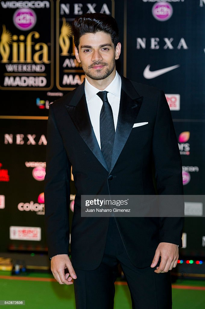 http://media.gettyimages.com/photos/sooraj-pancholi-attends-iifa-awards-2016-rocks-green-carpet-at-ifema-picture-id542872636