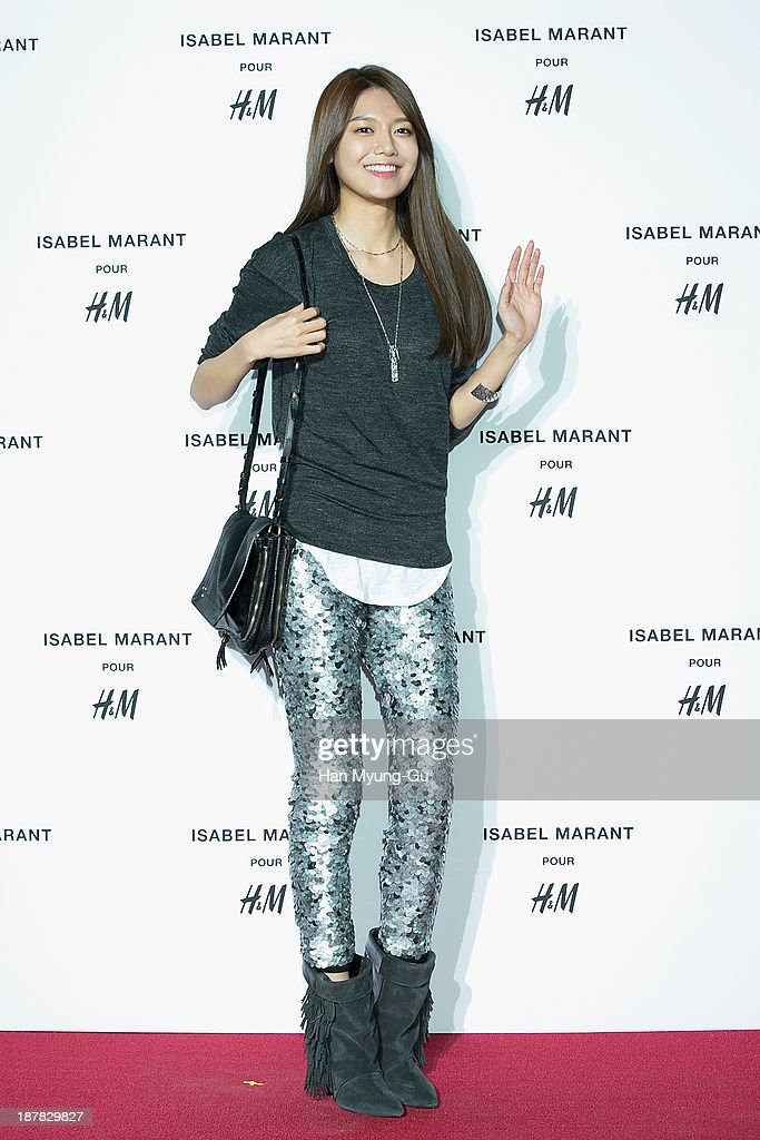 Sooyoung of South Korean girl group Girls' Generation attends Isabel Marant Pour H&M pre-shopping and party at Noon Square H&M Store on November 12, 2013 in Seoul, South Korea.
