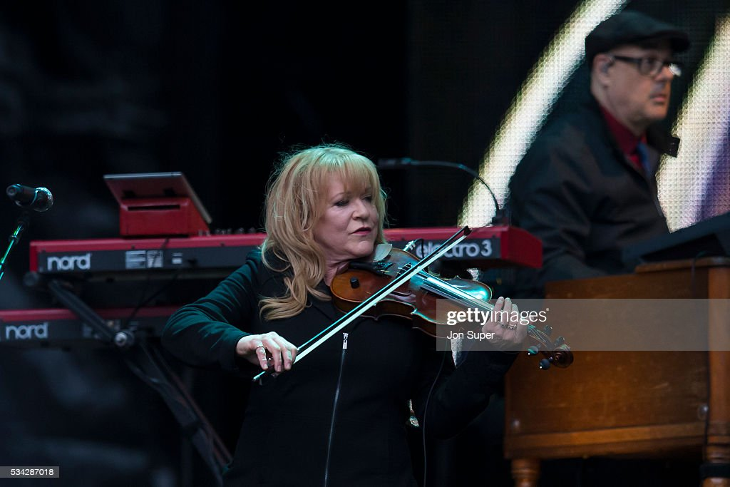 Soozie Tyrell (L) and Charles Giordano perform with Bruce Springsteen at the Etihad Stadium on May 25, 2016 in Manchester, England.