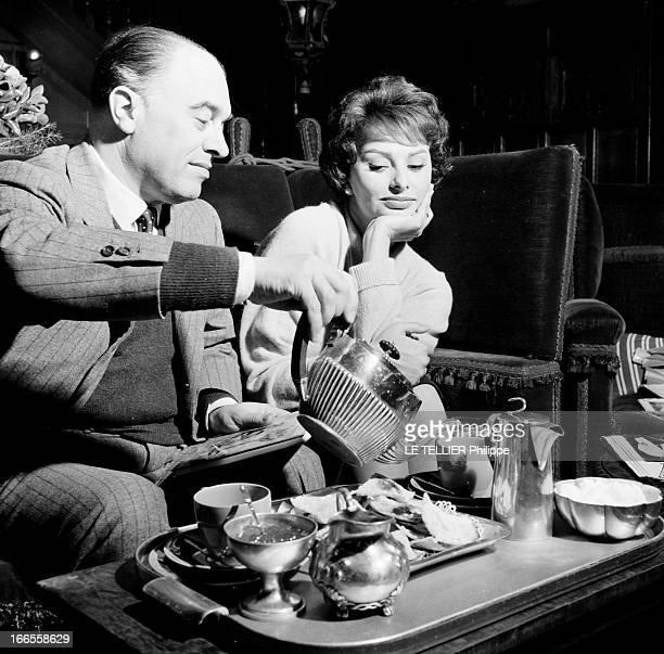 Sophia Loren And Carlo Ponti In London Londres 19 Décembre 1957 Au manoir d'Edwardbury à l'occasion du tournage de 'La clé' Sophia LOREN actrice...