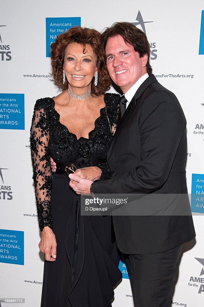 Sophia Loren (L) and Rob Marshall attend the 2015 National Arts Awards at Cipriani 42nd Street on October 19, 2015 in New York City.