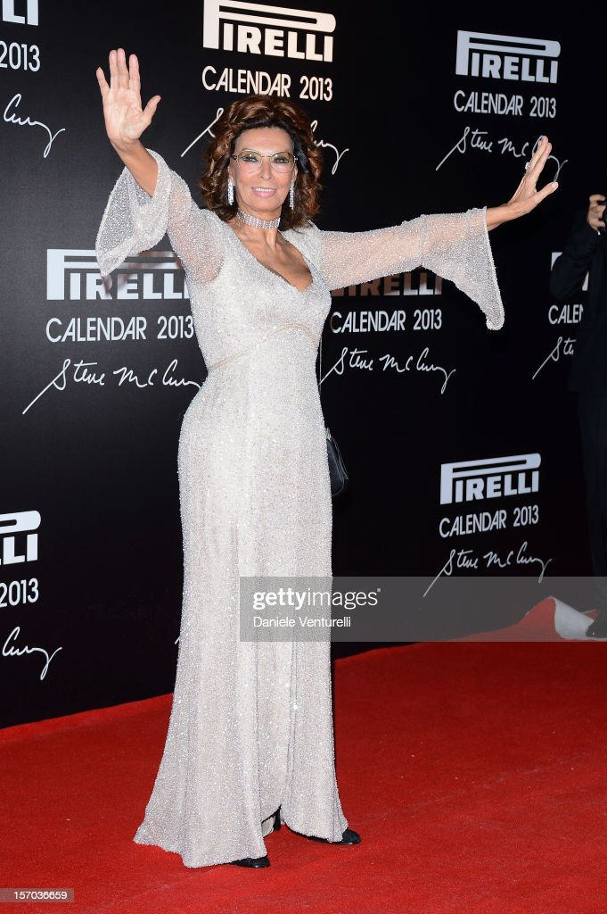 <a gi-track='captionPersonalityLinkClicked' href=/galleries/search?phrase=Sophia+Loren&family=editorial&specificpeople=94097 ng-click='$event.stopPropagation()'>Sophia Loren</a> attends the '2013 Pirelli Calendar Unveiling' on November 27, 2012 in Rio de Janeiro, Brazil.