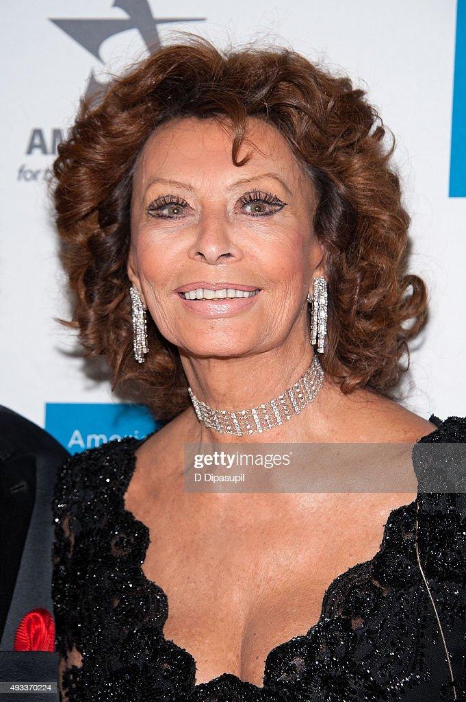 Sophia Loren attends t...