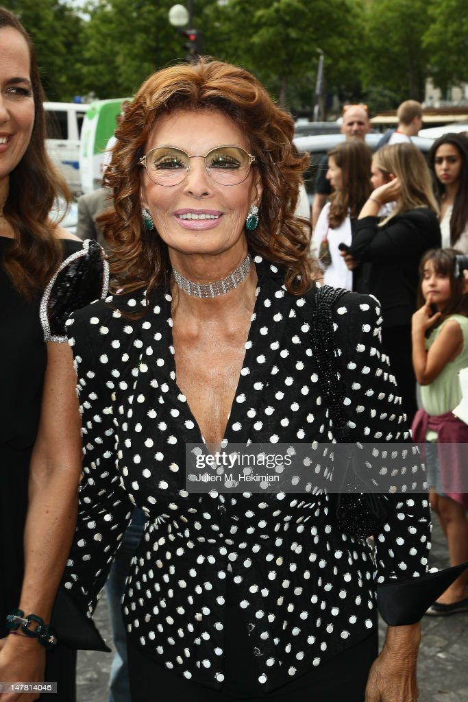 <a gi-track='captionPersonalityLinkClicked' href=/galleries/search?phrase=Sophia+Loren&family=editorial&specificpeople=94097 ng-click='$event.stopPropagation()'>Sophia Loren</a> attends the Giorgio Armani Prive Haute-Couture Show as part of Paris Fashion Week Fall / Winter 2012/13 at Palais de Chaillot on July 3, 2012 in Paris, France.