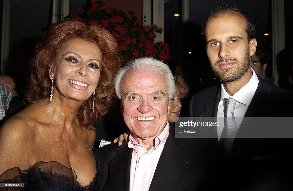 <a gi-track='captionPersonalityLinkClicked' href=/galleries/search?phrase=Sophia+Loren&family=editorial&specificpeople=94097 ng-click='$event.stopPropagation()'>Sophia Loren</a>, <a gi-track='captionPersonalityLinkClicked' href=/galleries/search?phrase=Jack+Valenti&family=editorial&specificpeople=204187 ng-click='$event.stopPropagation()'>Jack Valenti</a> and <a gi-track='captionPersonalityLinkClicked' href=/galleries/search?phrase=Edoardo+Ponti&family=editorial&specificpeople=851141 ng-click='$event.stopPropagation()'>Edoardo Ponti</a> during 2002 Venice Film Festival - <a gi-track='captionPersonalityLinkClicked' href=/galleries/search?phrase=Sophia+Loren&family=editorial&specificpeople=94097 ng-click='$event.stopPropagation()'>Sophia Loren</a> Receives the the 'Premio Bianchi' Award at Excelsior Hotel in Venice Lido, Italy.