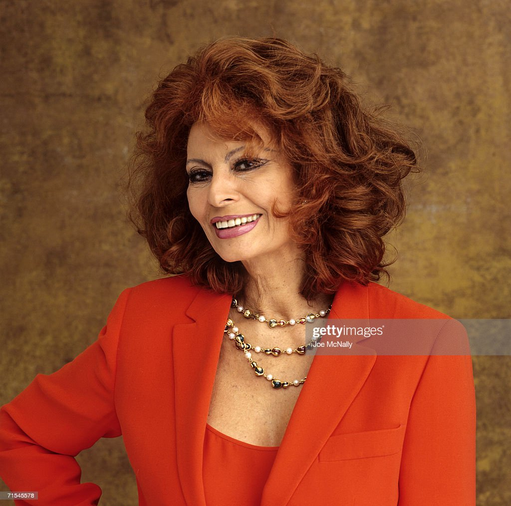 Sophia loren poses for a photo on may 30 2001 in toronto canada