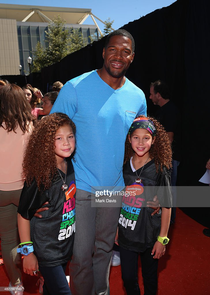 Sophia Strahan, host <a gi-track='captionPersonalityLinkClicked' href=/galleries/search?phrase=Michael+Strahan&family=editorial&specificpeople=210563 ng-click='$event.stopPropagation()'>Michael Strahan</a> and Isabella Strahan attend Nickelodeon Kids' Choice Sports Awards 2014 at UCLA's Pauley Pavilion on July 17, 2014 in Los Angeles, California.