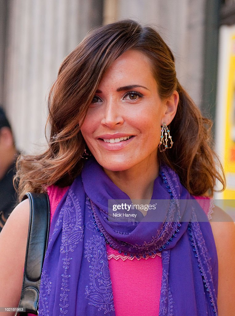 Sophie Anderton attends the Zoobs vs. Lodola private view at Opera Gallery on June 16, 2010 in London, England.