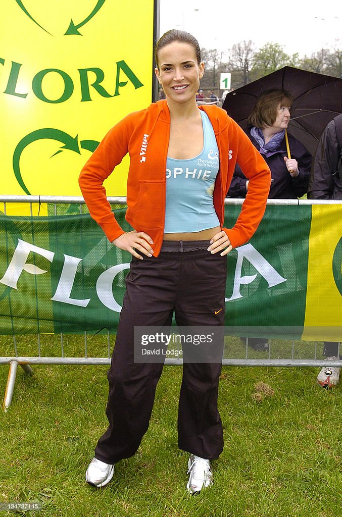 Sophie Anderton during The 2006 Flora London Marathon in London, Great Britain.