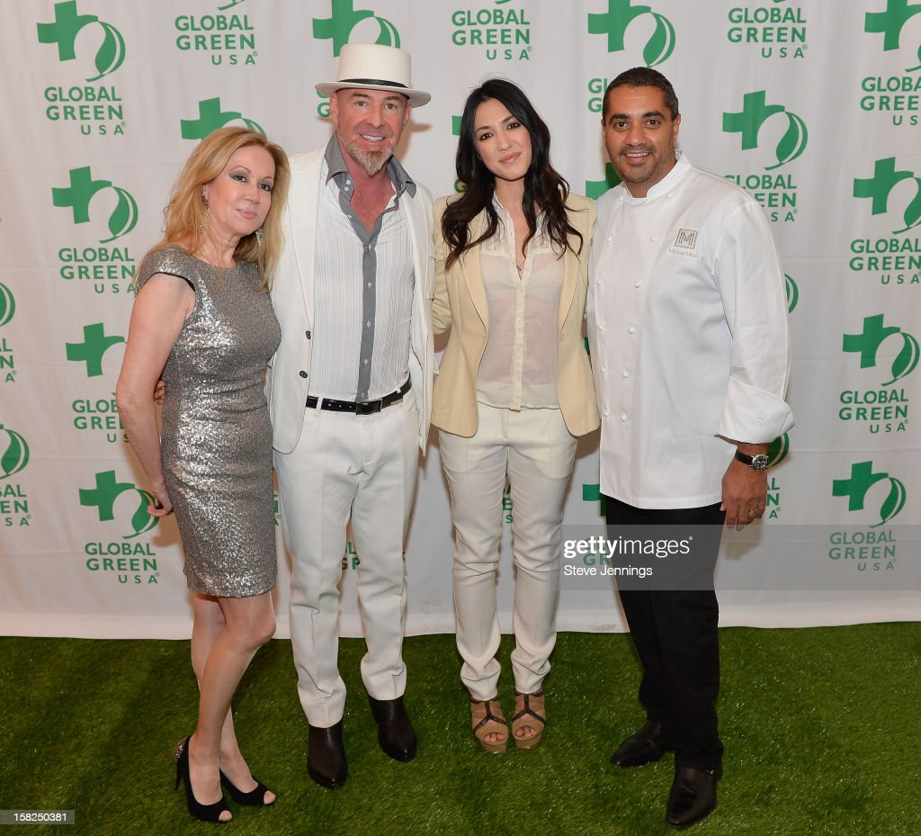 Sophie Azouaou, Chris Bently, <a gi-track='captionPersonalityLinkClicked' href=/galleries/search?phrase=Michelle+Branch&family=editorial&specificpeople=209165 ng-click='$event.stopPropagation()'>Michelle Branch</a> and Michael Mena (L-R) attend the Gorgeous & Green Gala at The Bently Reserve on December 11, 2012 in San Francisco, California.