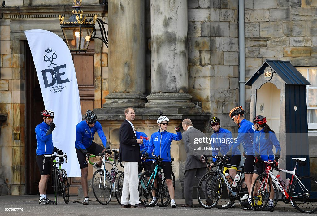 sophie-countess-of-wessex-and-a-team-are-waved-off-by-prince-philip-picture-id607687776