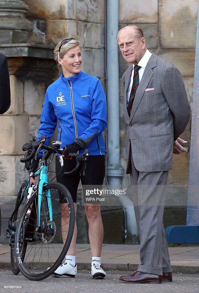 sophie-countess-of-wessex-and-a-team-are-waved-off-by-prince-philip-picture-id607697004