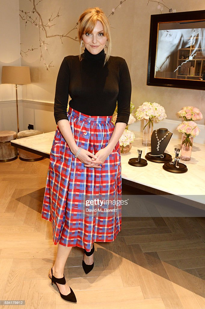 <a gi-track='captionPersonalityLinkClicked' href=/galleries/search?phrase=Sophie+Dahl&family=editorial&specificpeople=209092 ng-click='$event.stopPropagation()'>Sophie Dahl</a> attends 'Boodles Cocktails With Friends' which she hosted to celebrate the new campaign launch for British jewellery brand Boodles at their New Bond Street store on May 25, 2016 in London, England.