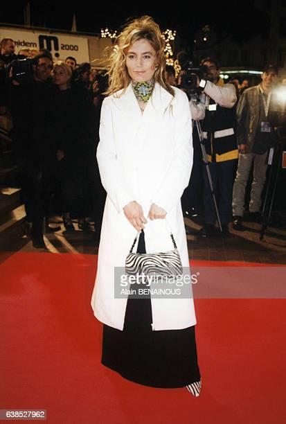 Sophie Duez arrive à la cérémonie des NRJ Music Awards le 22 janvier 2000 à Cannes France