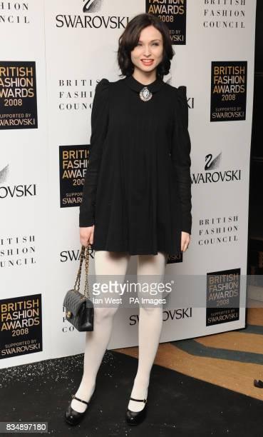 Sophie Ellis Bextor arrives for the 2008 British Fashion Awards at the Royal Horticultural Hall 80 Vincent Square London