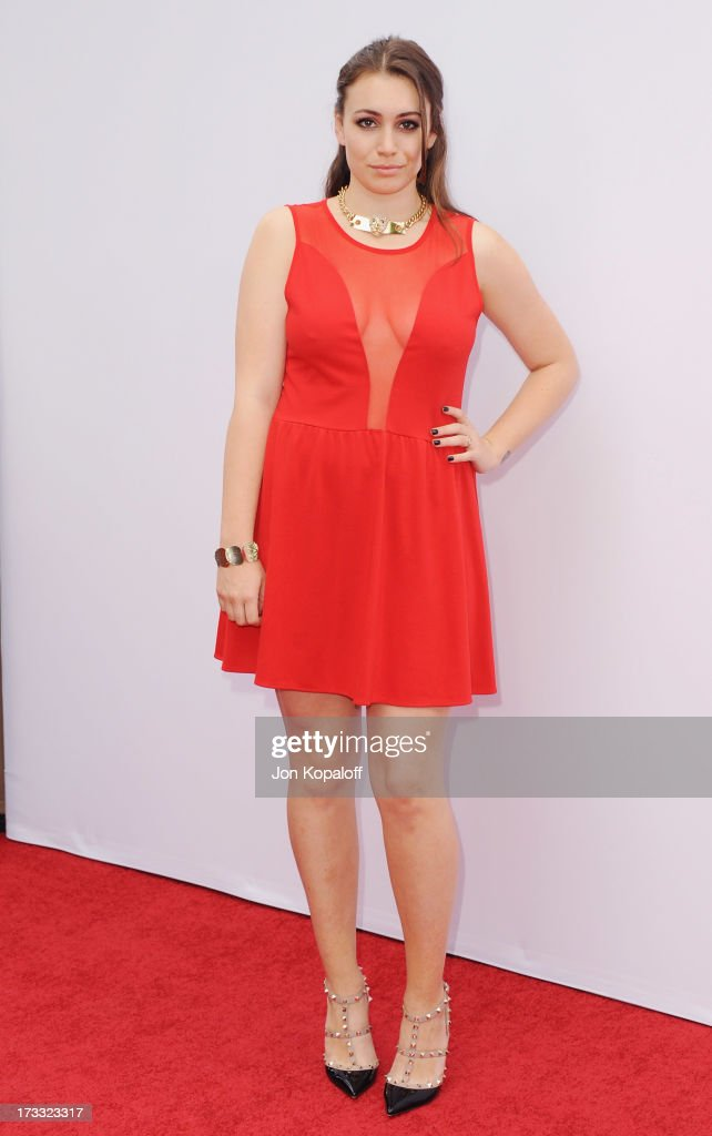 <a gi-track='captionPersonalityLinkClicked' href=/galleries/search?phrase=Sophie+Simmons&family=editorial&specificpeople=650233 ng-click='$event.stopPropagation()'>Sophie Simmons</a> arrives at the Los Angeles Premiere 'Red 2' at Westwood Village on July 11, 2013 in Los Angeles, California.