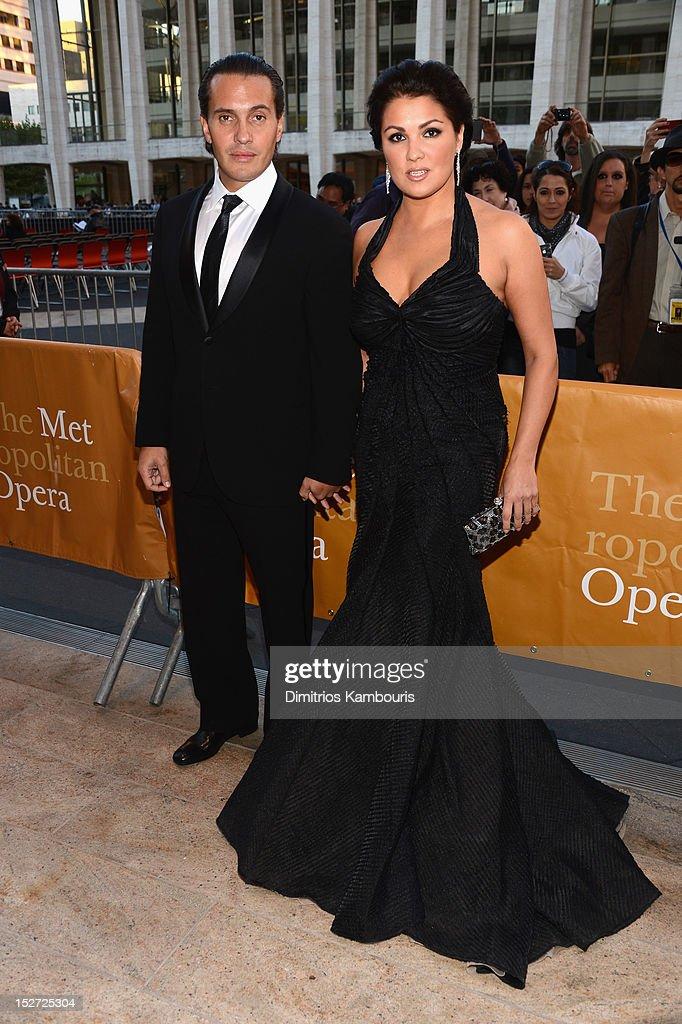 "2012 Metropolitan Opera Season Opening Night ""L'Elisir D'Amore"""