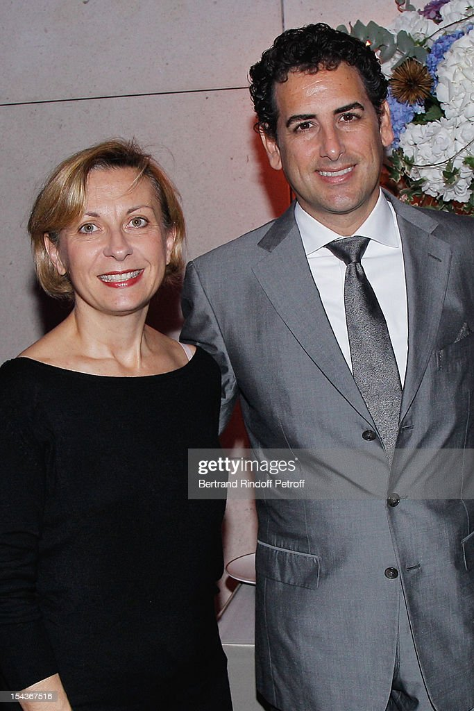 Soprano Nathalie Dessay (L) and tenor Juan Diego Florez, attend AROP Gala Dinner on October 18, 2012 in Paris, France.