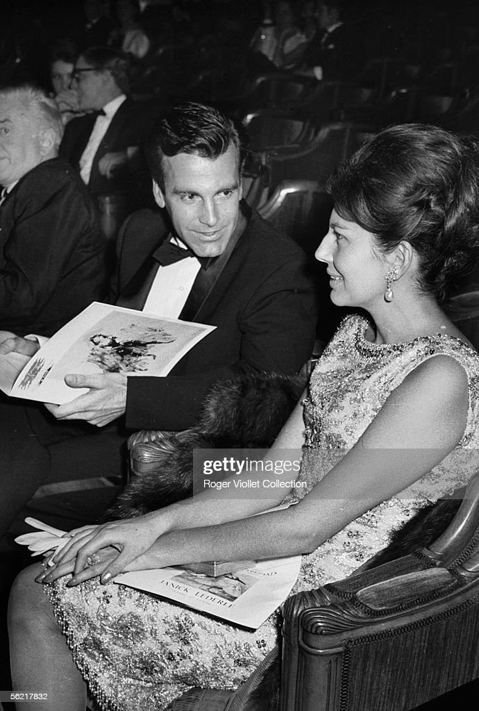 Soraya Esfandiari, Royal princess of Iran, second spouse of the shah Mohammed Reza Pahlavi, and Maximilian Schell, Austrian actor. Official reception of the dance at the Champs-Elysees theatre. Paris, 1963.