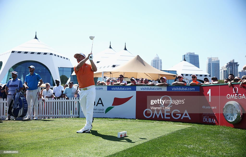 Soren Kjeldsen of Denmark tees off on the 1st hole during the final round of the Omega Dubai Desert Classic at the Emirates Golf Club on February 7, 2016 in Dubai, United Arab Emirates.