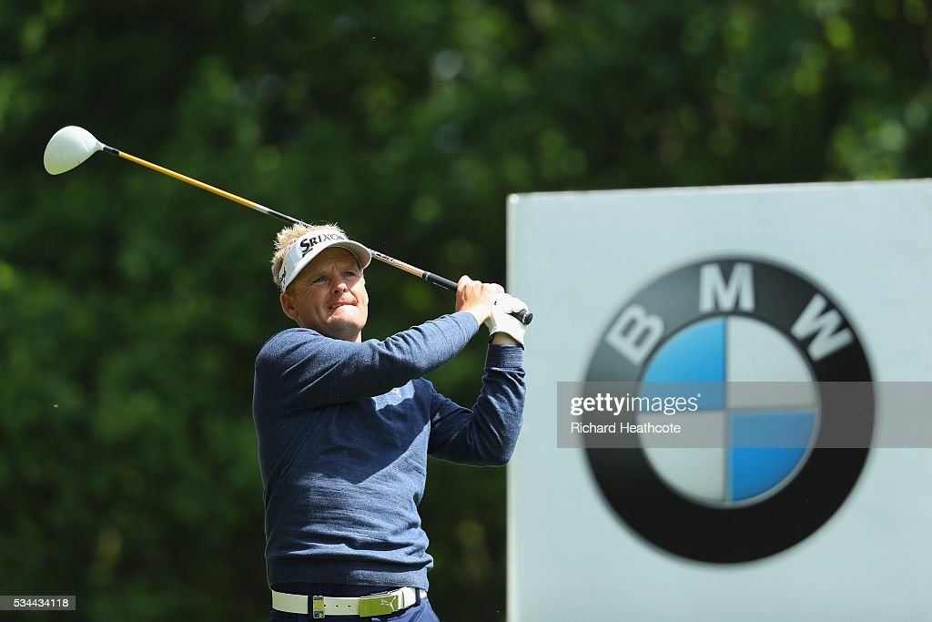 Soren Kjeldsen of Denmark tees off on the 3rd hole during day one of the BMW PGA Championship at Wentworth on May 26, 2016 in Virginia Water, England.