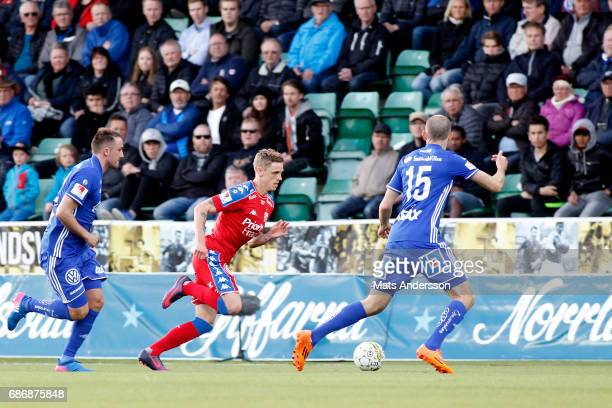 Soren Rieks of IFK Goteborg and Smajl Suljevic of GIF Sundsvall during the Allsvenskan match between GIF Sundsvall and IFK Goteborg at Idrottsparken...