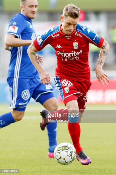 Soren Rieks of IFK Goteborg during the Allsvenskan match between GIF Sundsvall and IFK Goteborg at Idrottsparken on May 22 2017 in Sundsvall Sweden