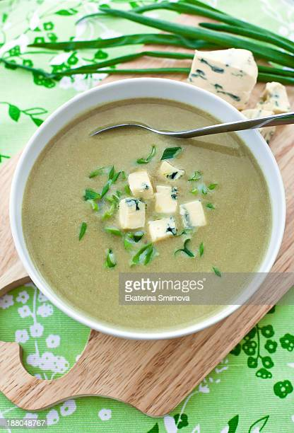 Sorrel soup with blue cheese