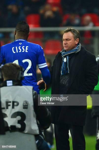 Sortie de Djibril CISSE / Frederic HANTZ Valenciennes / Bastia 20e journee Ligue 1 Photo Dave Winter / Icon Sport