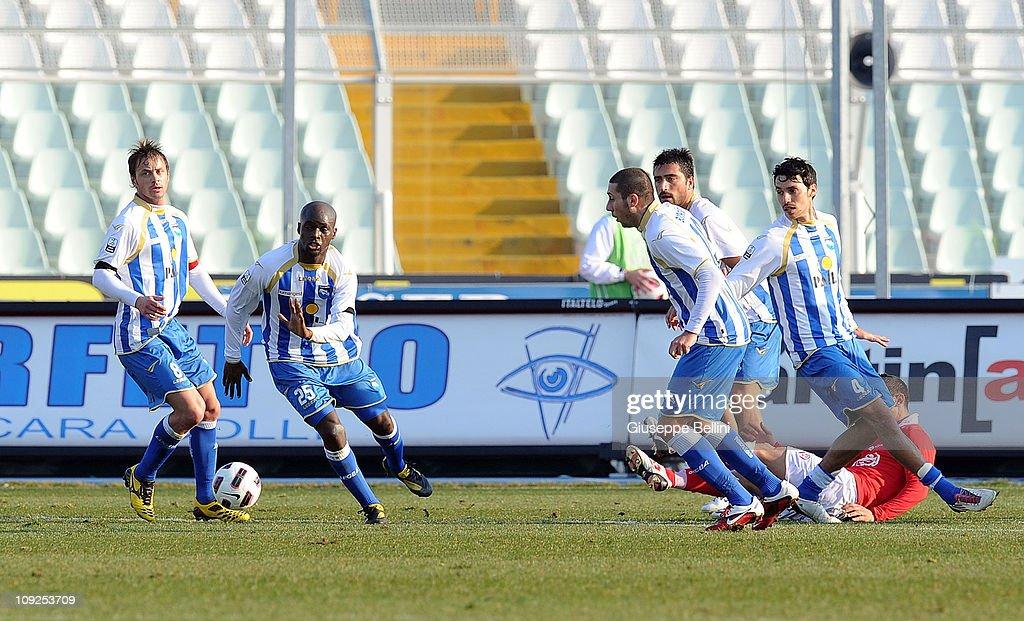 Pescara Calcio v AS Varese Calcio - Serie B