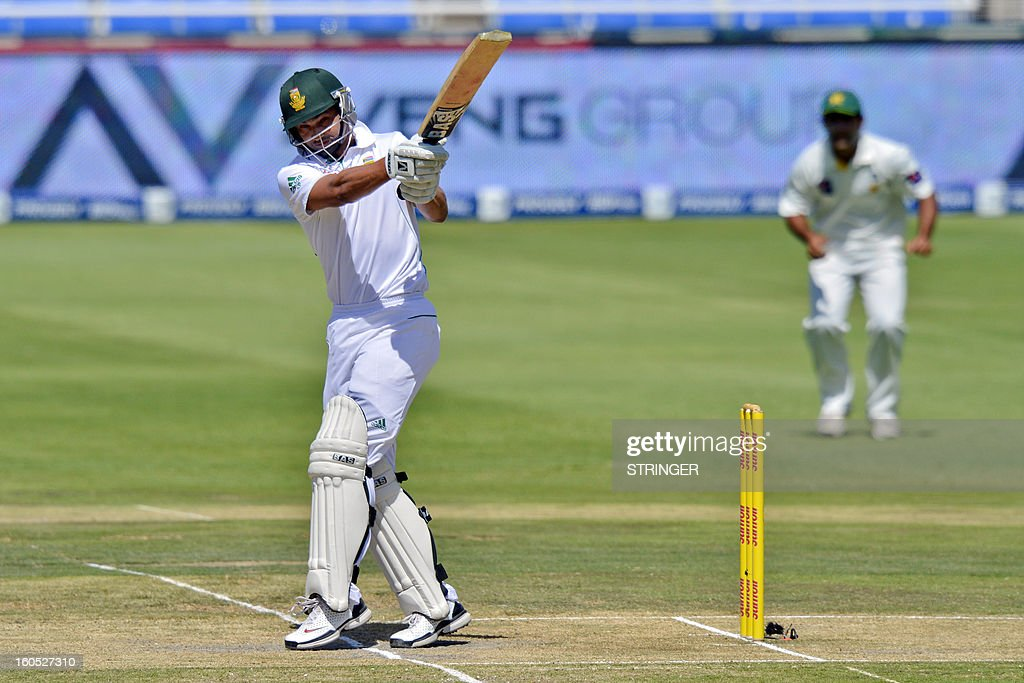 South Africa batsman Alviro Petersen lines up a shot on day two of the first Test match between South Africa and Pakistan at Wanderers Stadium in Johannesburg on February 2, 2013.