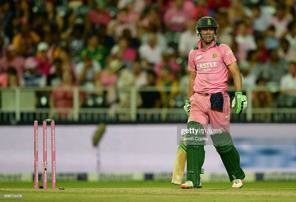 South Africa captain AB de Villiers reacts after being run out during the 4th Momentum ODI between South Africa and England at Bidvest Wanderers Stadium on February 12, 2016 in Johannesburg, South Africa.