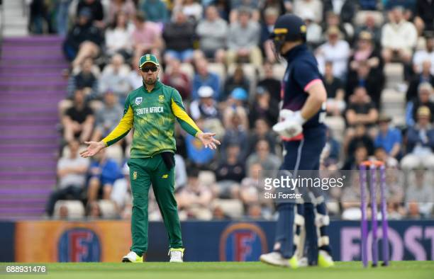 South Africa captain AB de Villiers reacts during the 2nd Royal London One Day International between England and South Africa at The Ageas Bowl on...