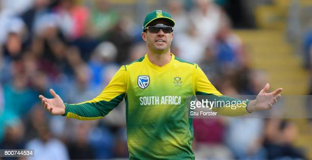 South Africa captain AB de Villiers reacts during the 3rd NatWest T20 International between England and South Africa at SWALEC Stadium on June 25...