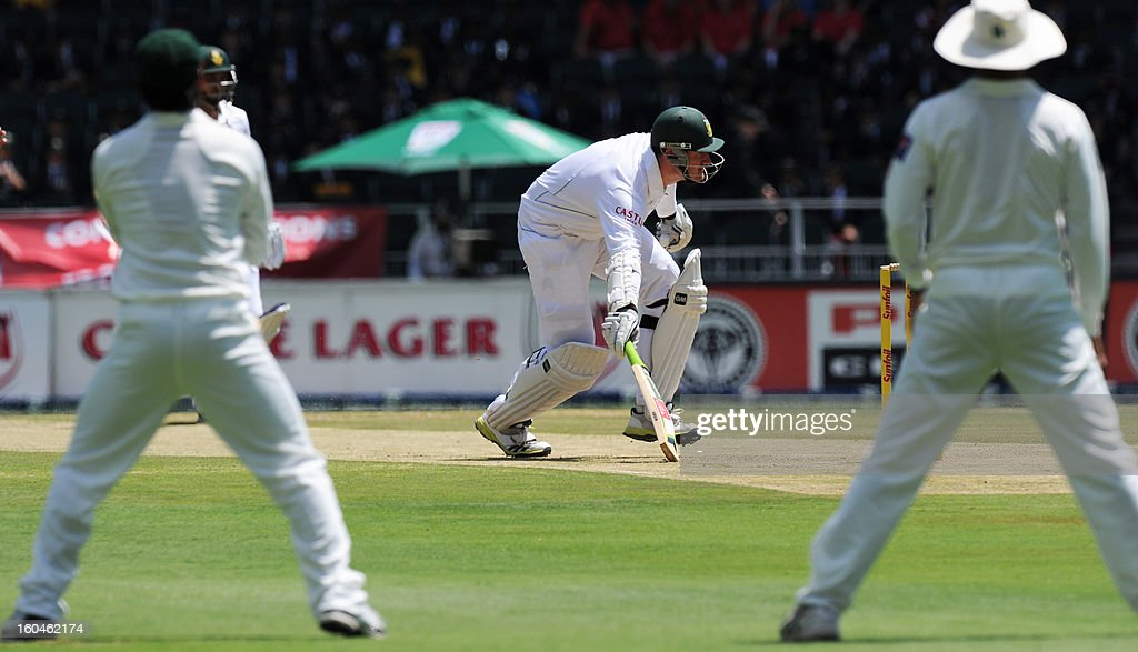 South Africa captain Graeme Smith runs to the stumps to avoid a runout on February 1, 2013 during the first Test against Pakistan at Wanderers Stadium in Johannesburg.