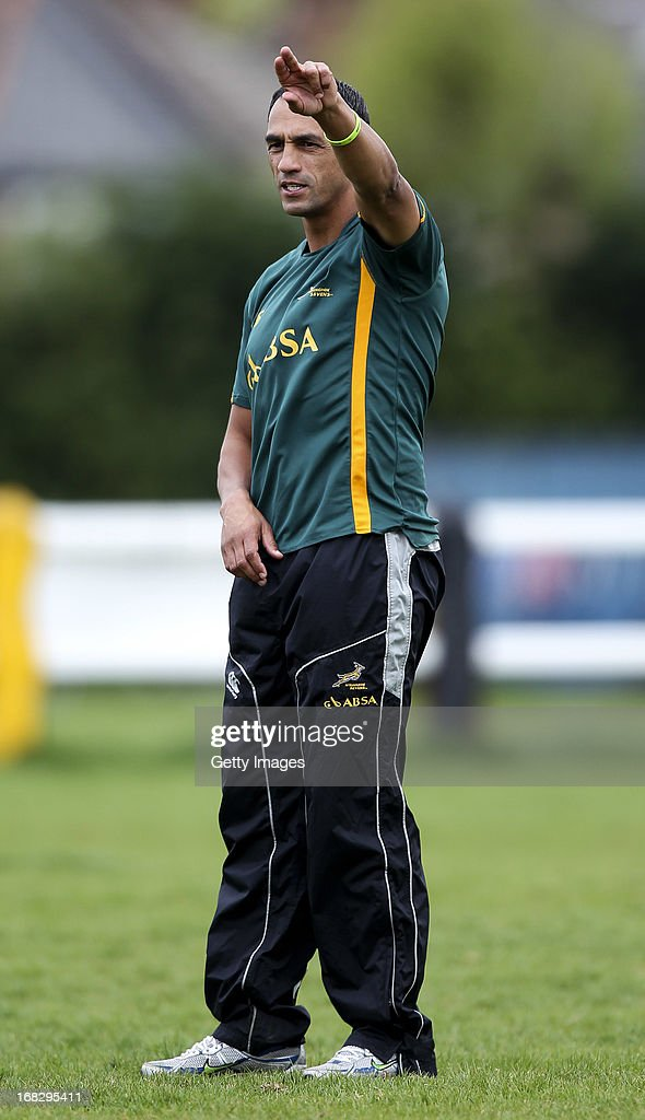 South Africa head coach Paul Treu gives instructions during a South Africa Rugby 7's training session at the London Wasps training ground on May 08, 2013 in Acton, England.