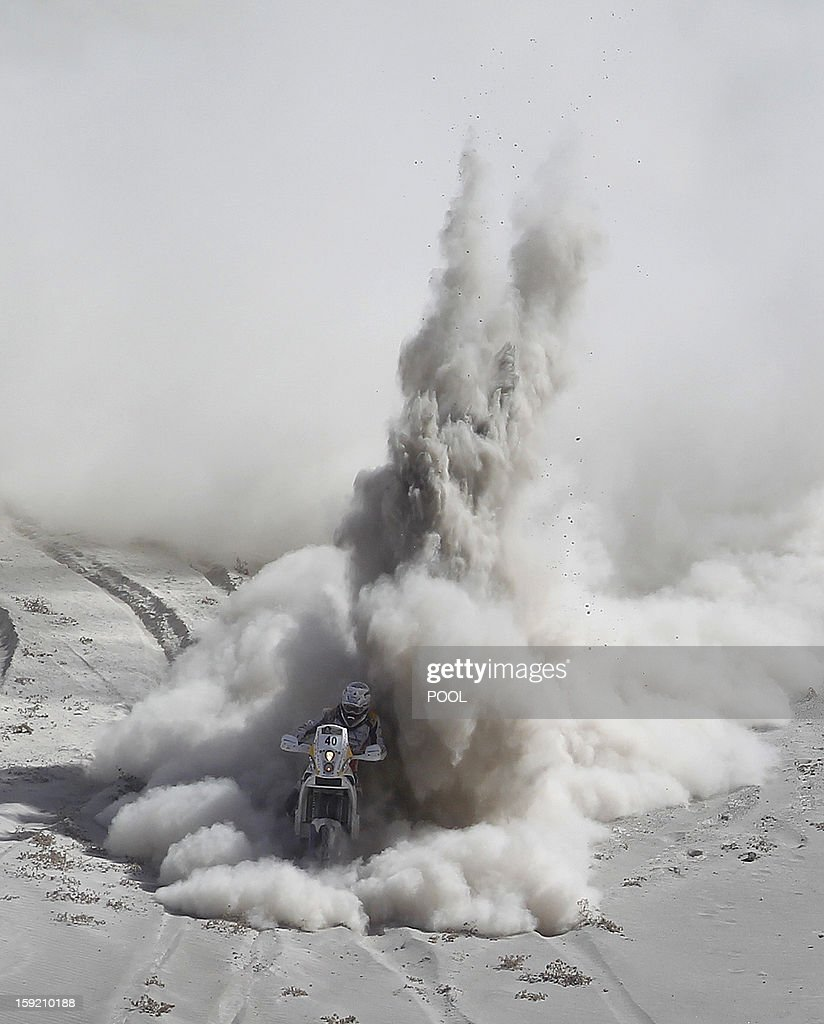 South Africa Riaan Van Niekerk competes during Stage 5 of the Dakar Rally 2013 between Arequipa and Arica, Chile, on January 9, 2013. The rally will take place in Peru, Argentina and Chile from January 5 to 20. AFP PHOTO / POOL