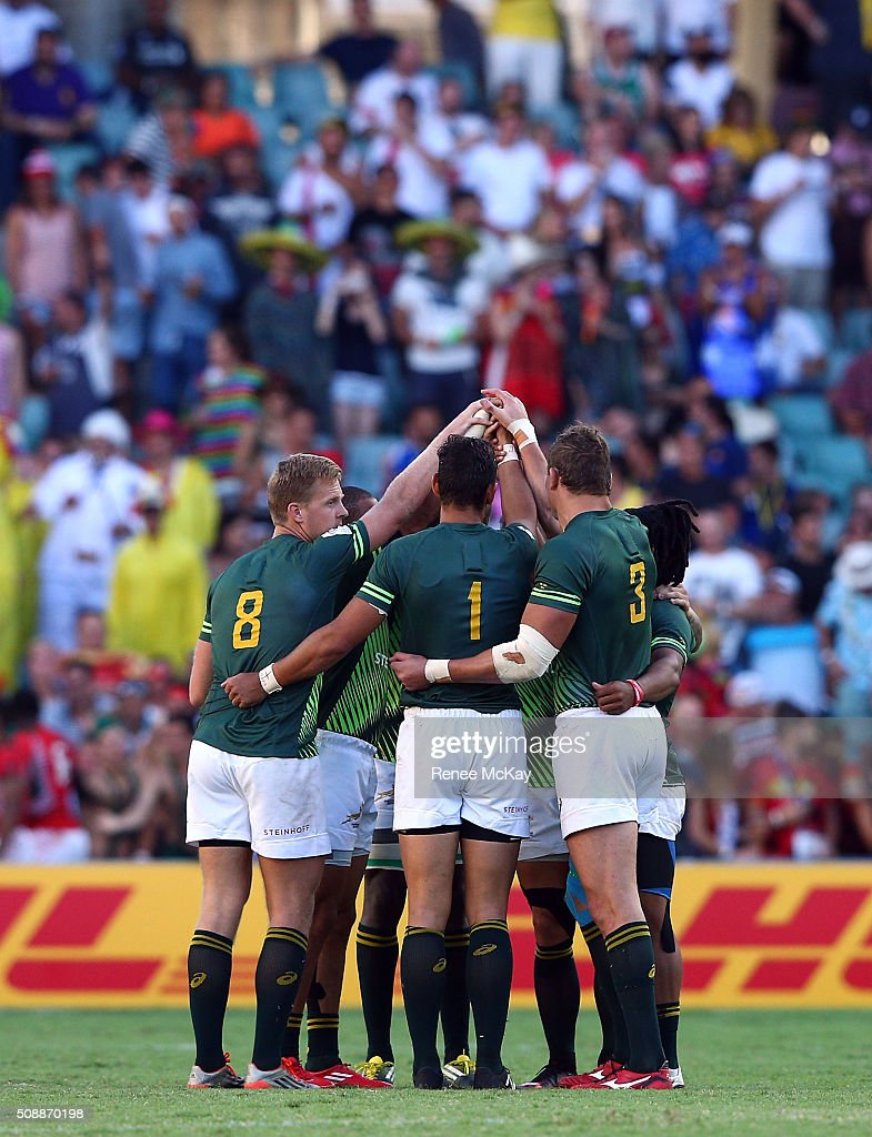 South Africa team huddle during the 2016 Sydney Sevens match between South Africa and Fiji at Allianz Stadium on February 7, 2016 in Sydney, Australia.
