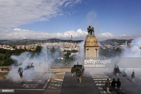 South African Army howitzers fire a 21 gun salute and formations of SA Airforce helicopters fly over the Union Buildings in Pretoria to celebrate the...