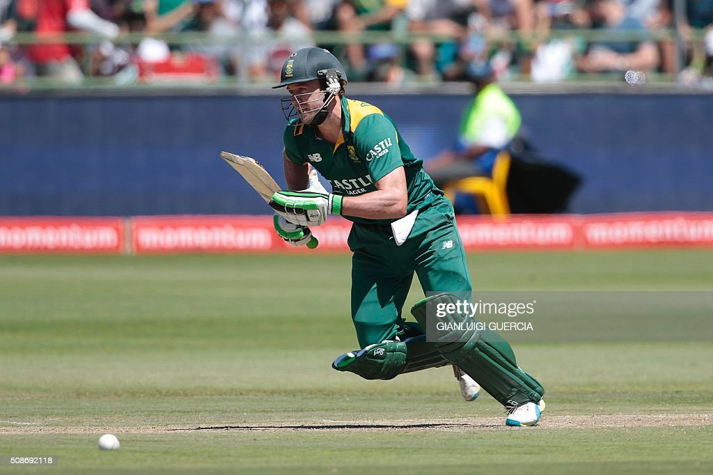 South African batsman AB de Villiers plays a shot during the second One Day International match between England and South Africa at St. George's park on February 6, 2016 in Port Elizabeth. / AFP / GIANLUIGI GUERCIA