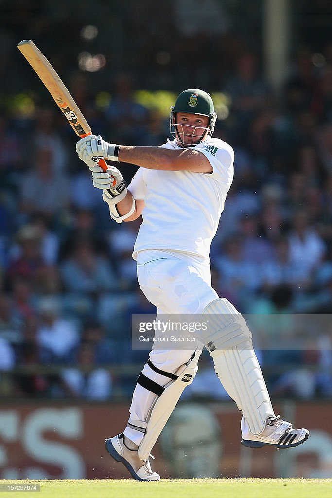 South African captain <a gi-track='captionPersonalityLinkClicked' href=/galleries/search?phrase=Graeme+Smith+-+Cricket+Player&family=editorial&specificpeople=193816 ng-click='$event.stopPropagation()'>Graeme Smith</a> bats during day two of the Third Test Match between Australia and South Africa at the WACA on December 1, 2012 in Perth, Australia.