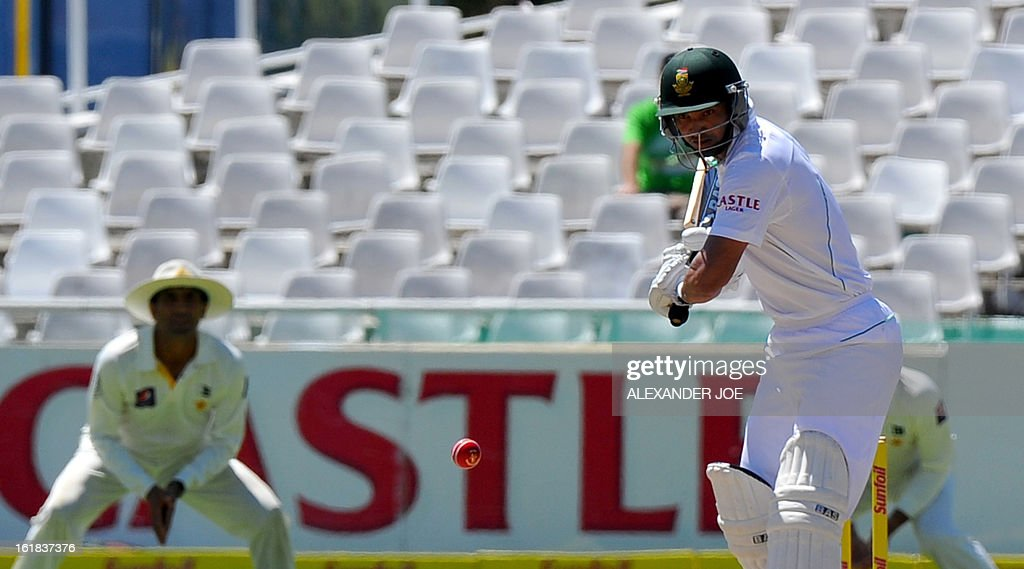 South African cricketer Alviro Petersen faces a delivery from unseen Pakistan cricketer Muhammad Irfan on day four of the second test between South Africa and Pakistan in Cape Town at Newlands on February 17, 2013.