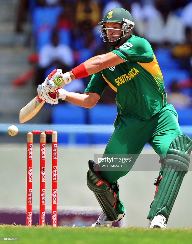 South African cricketer Jacques Kallis plays a shot off West Indies bowler Dwayne Bravo during the second One Day International match between West Indies and South Africa at the Sir Vivian Richards Stadium in St John's on May 24, 2010. Kallis scored 85-runs before being dismissed. AFP PHOTO/Jewel Samad